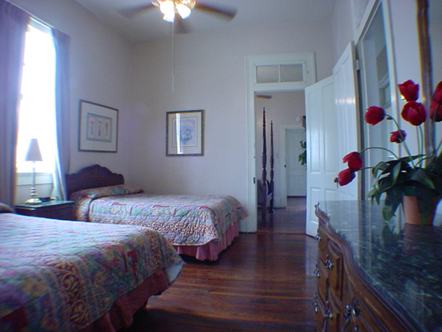 New Orleans Four Bedroom Executive Townhouse Suite